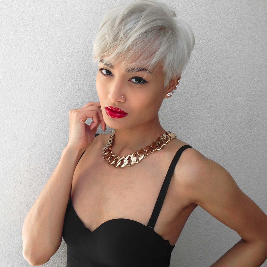 Micah Gianneli_Top fashion style beauty blogger_Smashbox Cosmetics_Be Legendary Lip Lacquer_Always Sharp Lip Liner_Short platinum blonde pixie hair