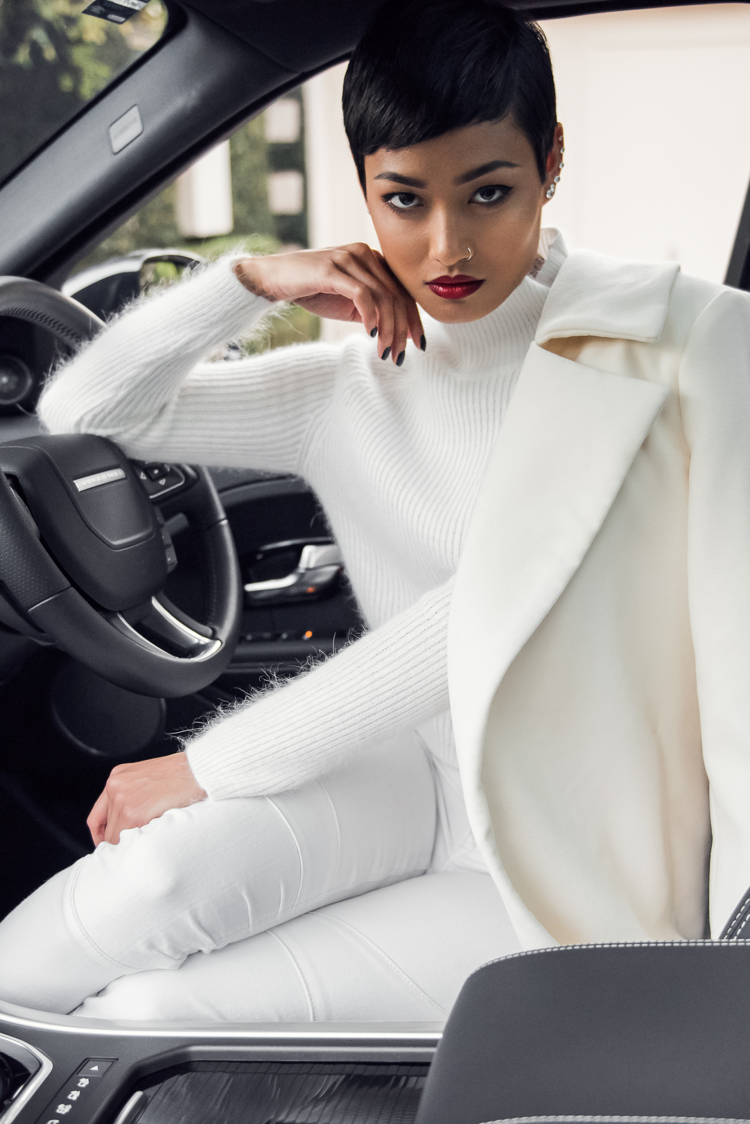 Micah-Gianneli-Top-Australian-Fashion-Blogger-Range-Rover-Evoque-RangeRover-Editorial-Campaign-Louboutin-So-Kate-All-White-Streetstyle-Vogue-Car-Review